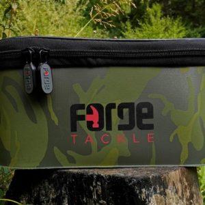 Forge Tackle Torba EVA Classic Accessory Bag CAMO (roz.XL) forge-tackle-torba-eva-classic-accessory-bag-camo-rozxl