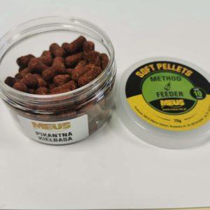Miękki pellet do stosowania zarówno na haczyk jak i na włos. Specjalna struktura wypuszcza swoje aromaty z wewnątrz pelletu oraz tworzy kolorową smugę.