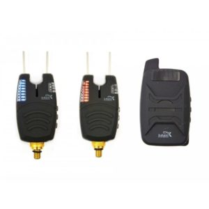 Zestaw dwóch sygnalizatorów z centralą w praktycznym ochronnym pokrowcu.